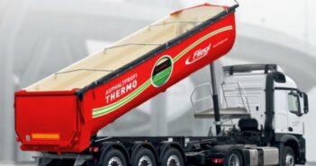 Sattelauflieger von Fliegl: Neues Thermofahrzeug isoliert Asphalttransporte