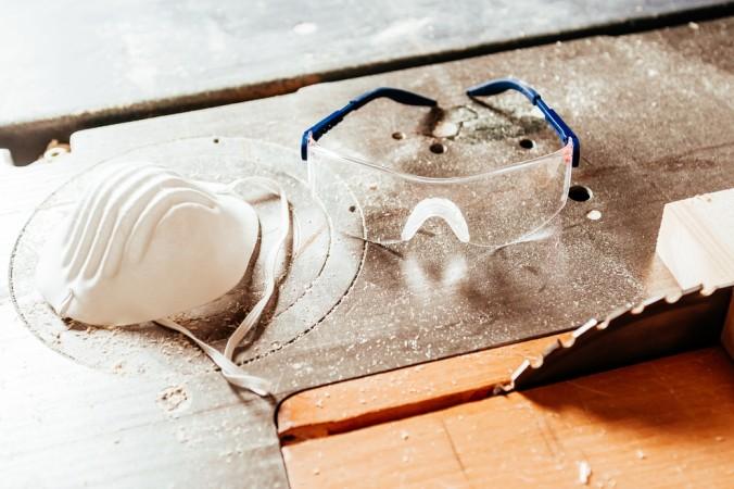 Je nachdem wie hoch die Radon-Konzentration gemessen wird, desto mehr oder weniger muss man in seinem Haus sanieren. (#3)