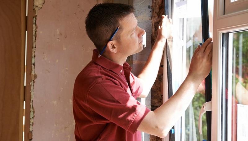 Da Fenster einen großen Teil der Fassaden am Gebäude ausmachen, besteht hier auch besonders großes Potential für die Energieeinsparung. ( Foto: Shutterstock- SpeedKingz )