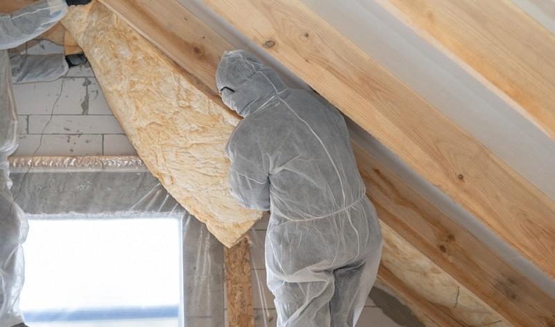 Für Maßnahmen an einem Gebäude, das unter Denkmalschutz steht, gelten häufig strengere Regeln.  ( Foto: Shutterstock- brizmaker )