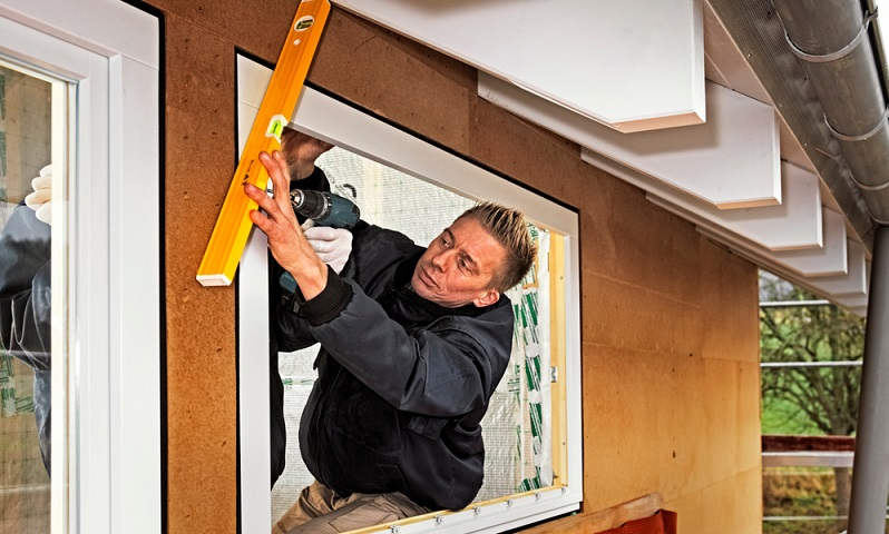 KfW Energieeffizient bauen Fenster muessen auch passen. ( Foto: Shutterstock-_Ingo Bartussek )