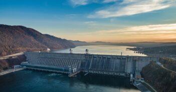 Wasserkraft: Die größten Wasserkraftwerke und wie Dein Strom daraus wird ( Foto: Shutterstock-Evgeny_V )