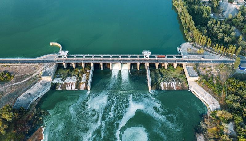 Sicherlich ist Wasserkraft eine erneuerbare Energie und von diesem Standpunkt aus positiv zu bewerten. ( Foto: Shutterstock- DedMityay )